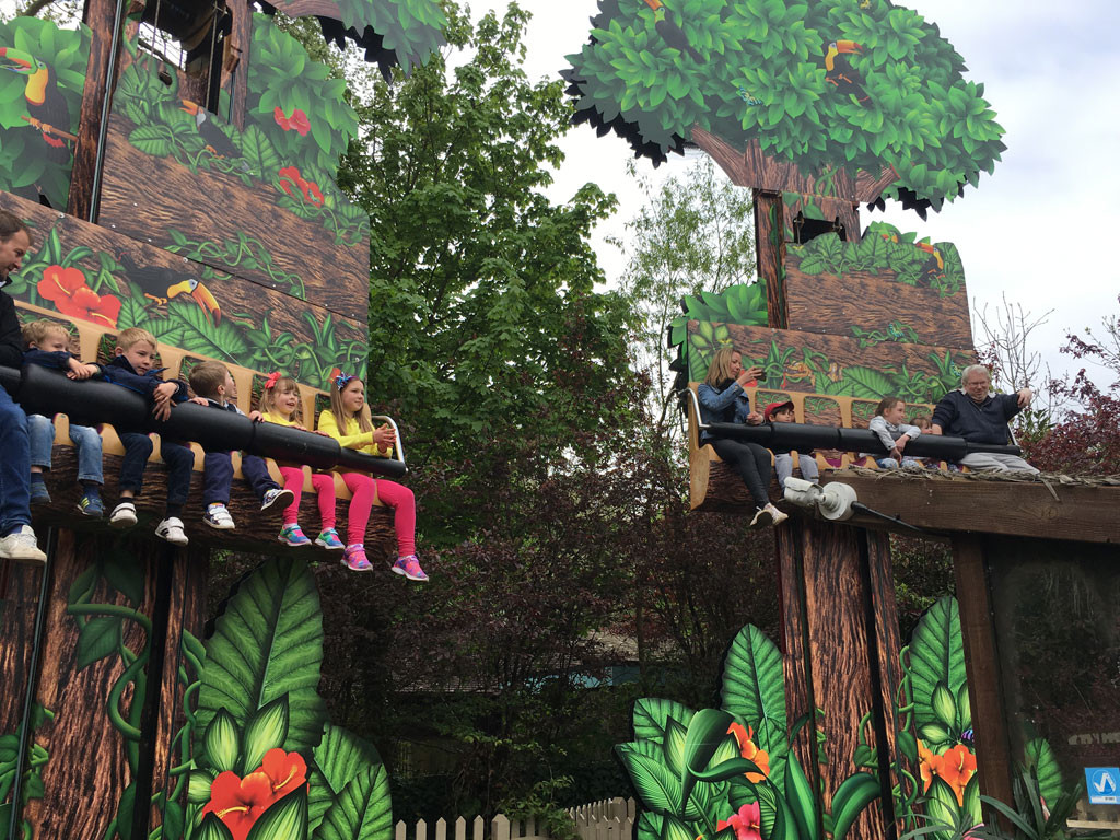 ... there was the brand new Adventure Tree carousel and classics such as Treetop  Hoppers, Tiny Truckers, Jungle Bus Tours, Sea Dragons and Griffins Galleon,  ...